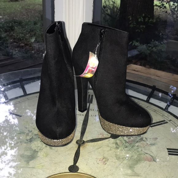 glo Shoes - Black and silver sparkle heels-8